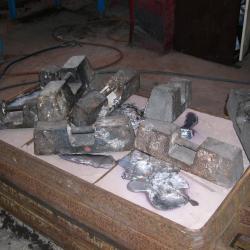 le moule est fermé et prêt à recevoir le métal en fusion